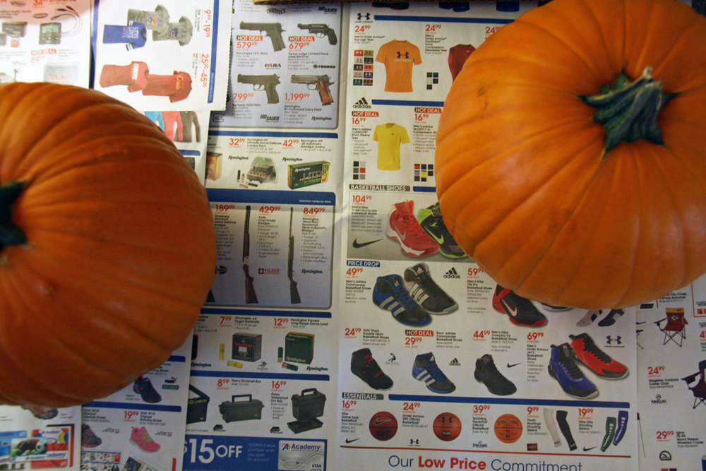 Pumpkin Carving Day | redleafstyle.com