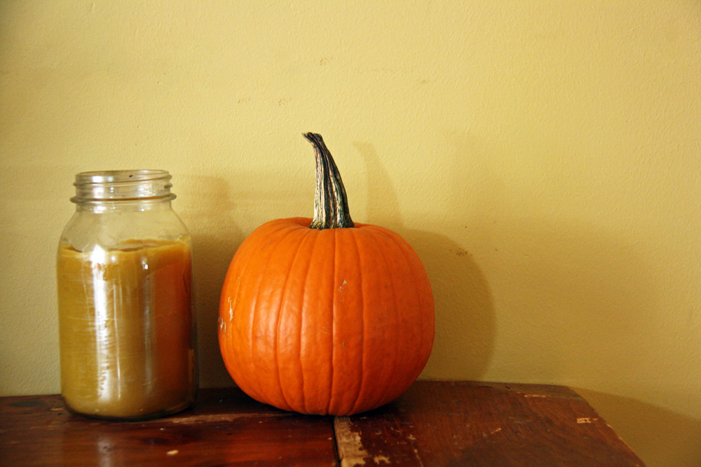 Pumpkin and Beeswax Candle | redleafstyle.com