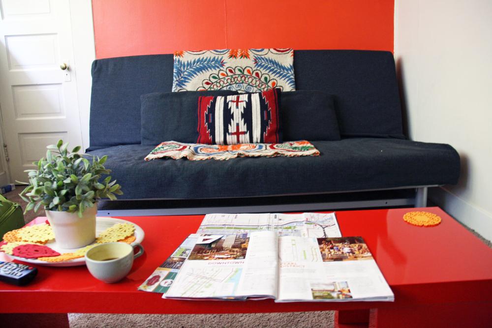 Cute Portland Apartment Living Room | redleafstyle.com
