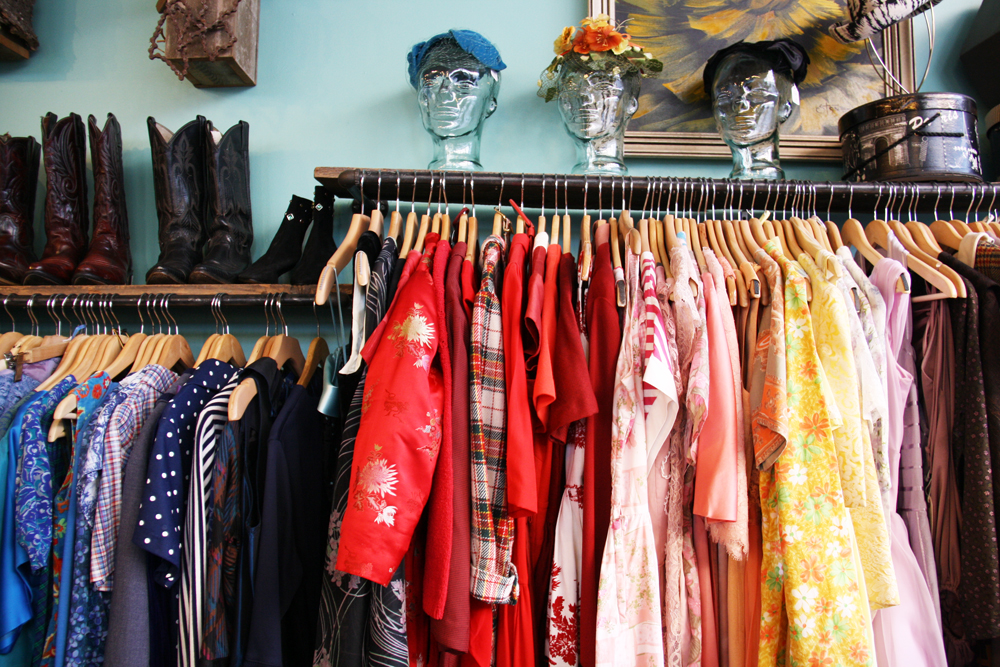 3 amazing vintage stores in portland oregon leaf