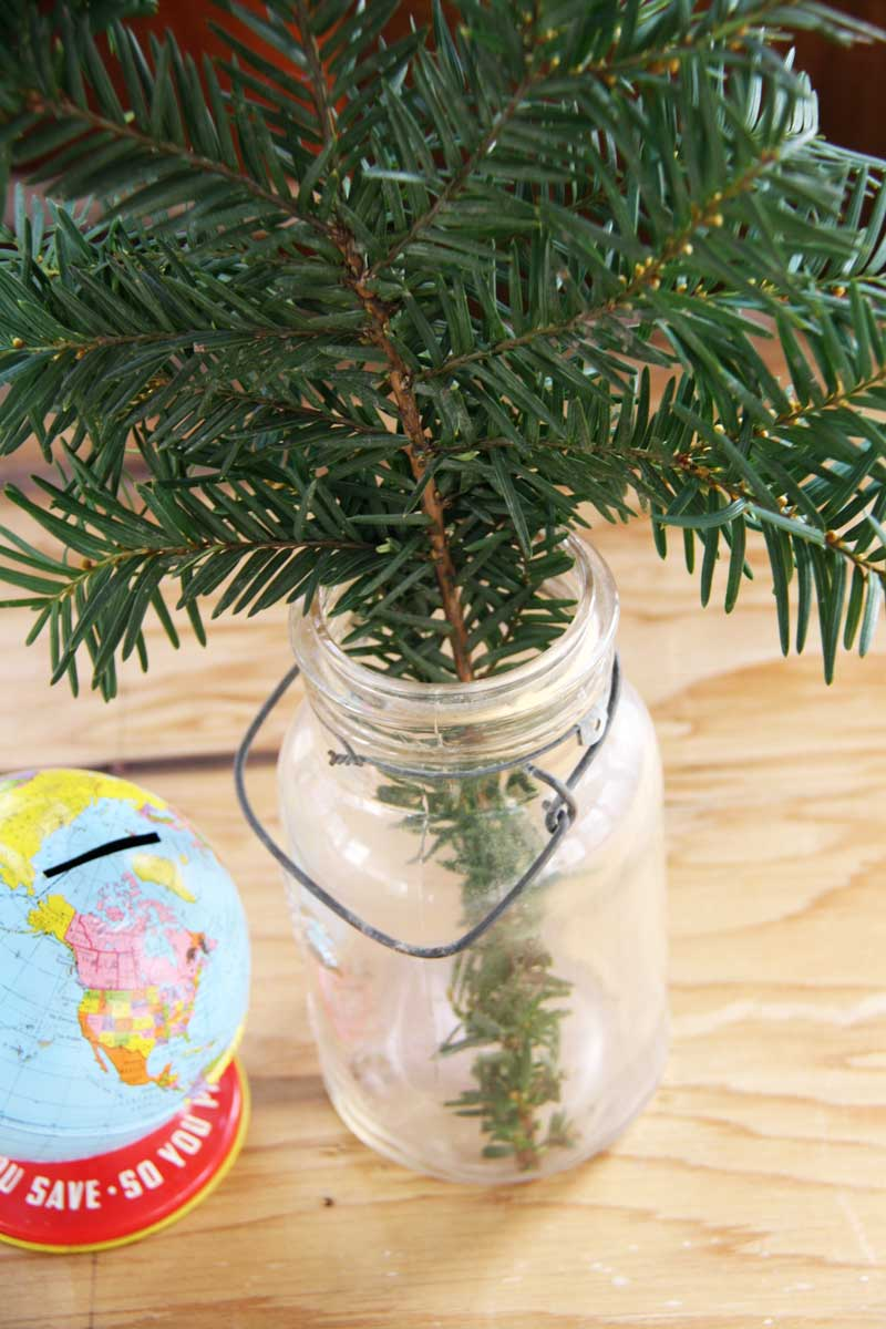 Branch trimming in mason jar | redleafstyle.com