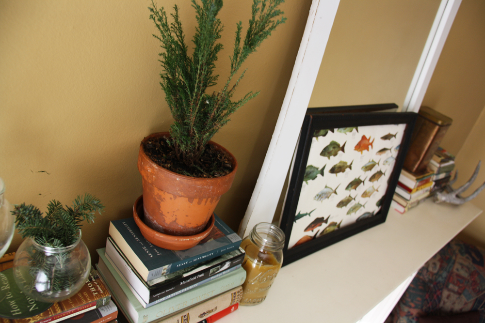 Mantle display | redleafstyle.com
