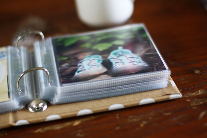 Scrapbooking Fun: Mini Camping Photo Album | redleafstyle.com
