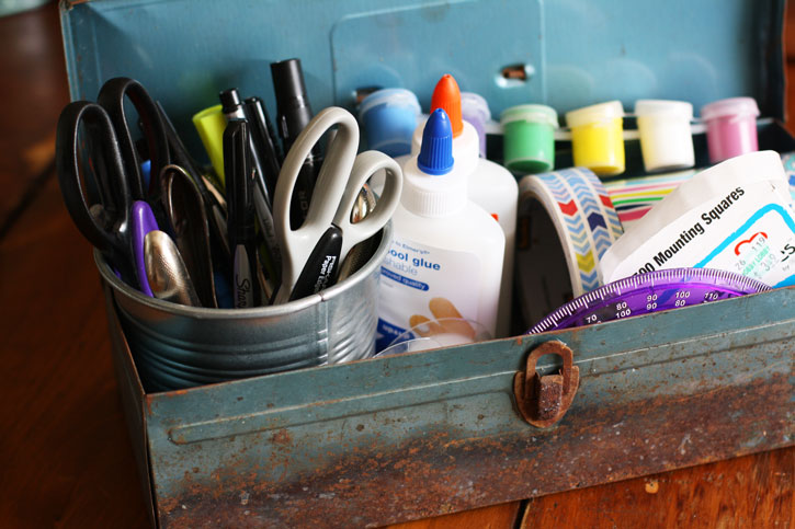 Try This: Old Toolbox to Craft Caddy | redleafstyle.com