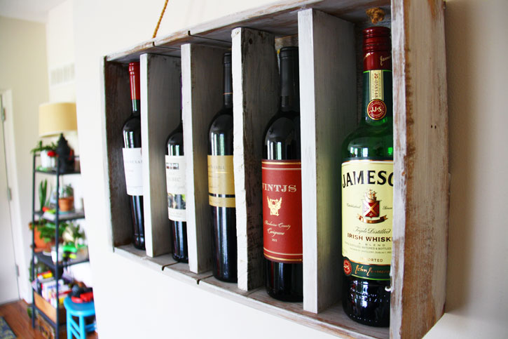 How to Repurpose an Old Dresser Drawer into a Wine Rack | redleafstyle.com