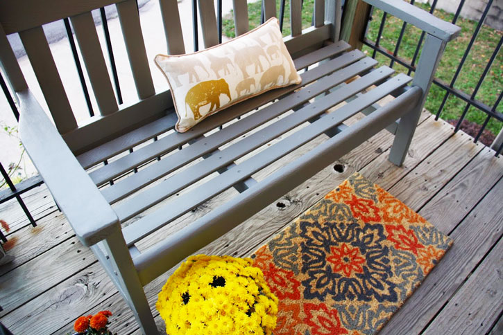 Before & After: Wooden Bench Makeover | redleafstyle.com