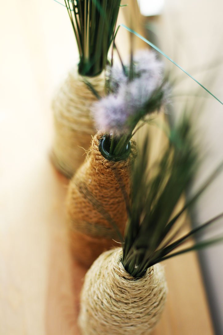 DIY Rope-Wrapped Bottles for a Farmhouse Look   redleafstyle.com