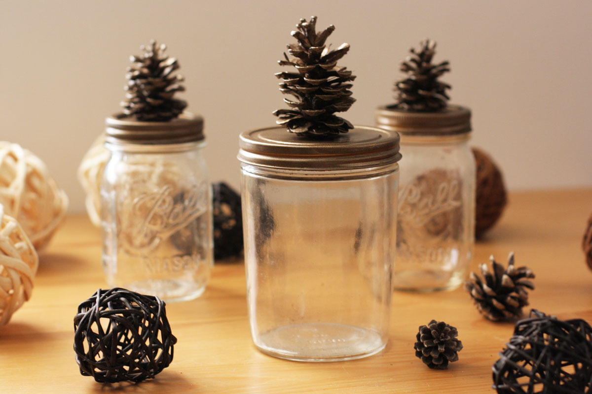 Want Pinecone Crafts? Here's How to Make Cute Pinecone Lids for Jars | redleafstyle.com